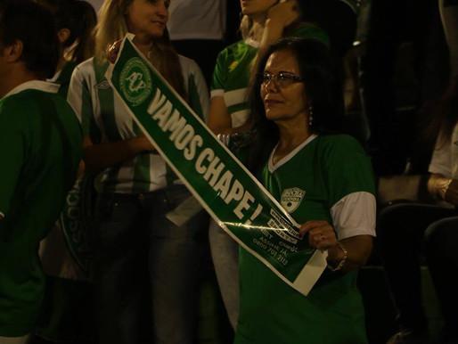 Homenagem na Arena Condá
