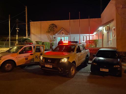 Detuvieron a dos hombres con un arma y municiones en Mandubi