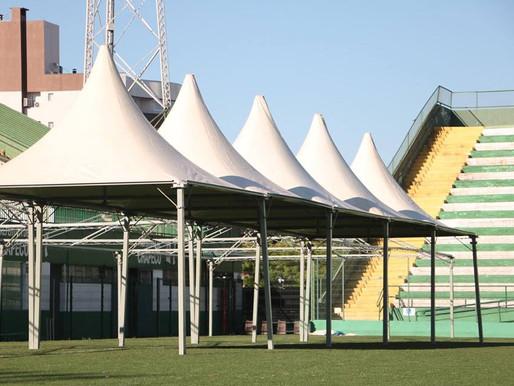 Preparativos para o funeral coletivo na Arena Condá