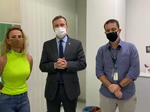 Em Brasília, Prefeita encaminha demanda de tomógrafo para a Santa Casa
