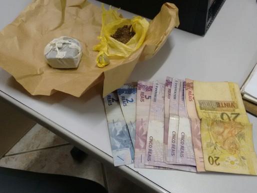 Dupla é detida com drogas e dinheiro no Trevo da Caixa D'agua do Wilson