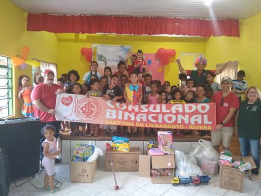 Consulado Binacional do Inter realiza entrega de brinquedos