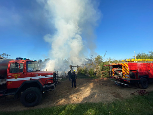 Discusión de pareja termina con un incendio con perdidas totales en dos casas de Rivera