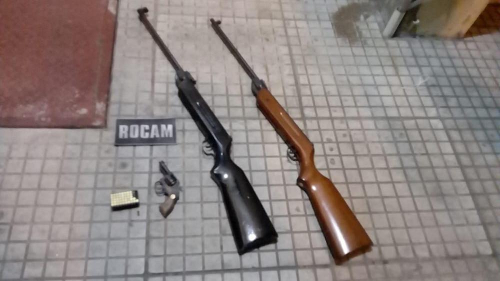 Homem é detido com armas pela ROCAM no bairro São Paulo