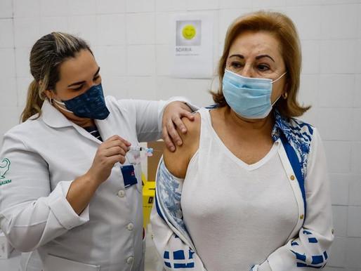 RS recebe 441,5 mil doses de vacinas contra Covid nesta sexta, diz secretaria da Saúde