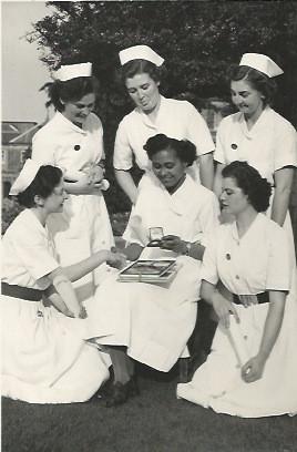 Mabel Dinah with fellow nurses