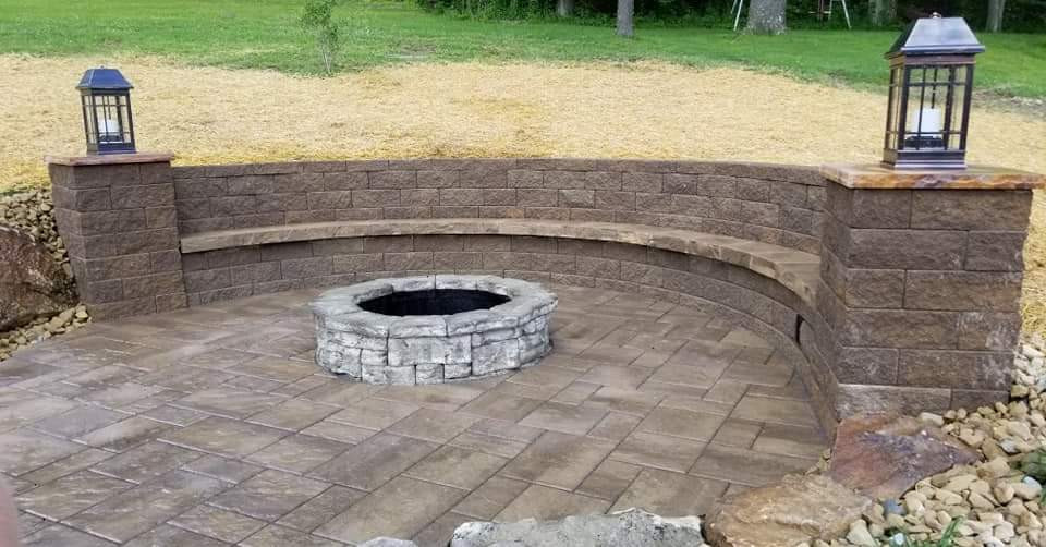 firepit / seat wall