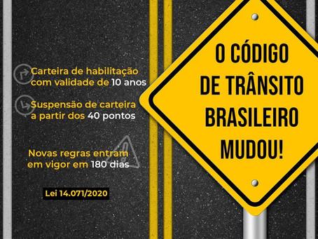 O Código de Trânsito Brasileiro mudou. Carteira de habilitação com validade de 10 anos.