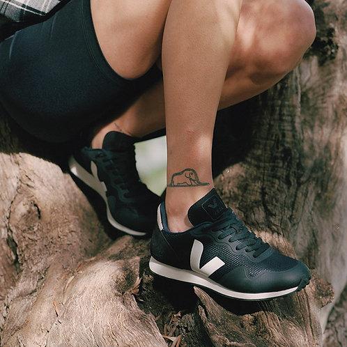 Veja - Vegan B-Mesh Sneaker - Black/White