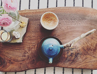 Blue sidehandle pot.jpg