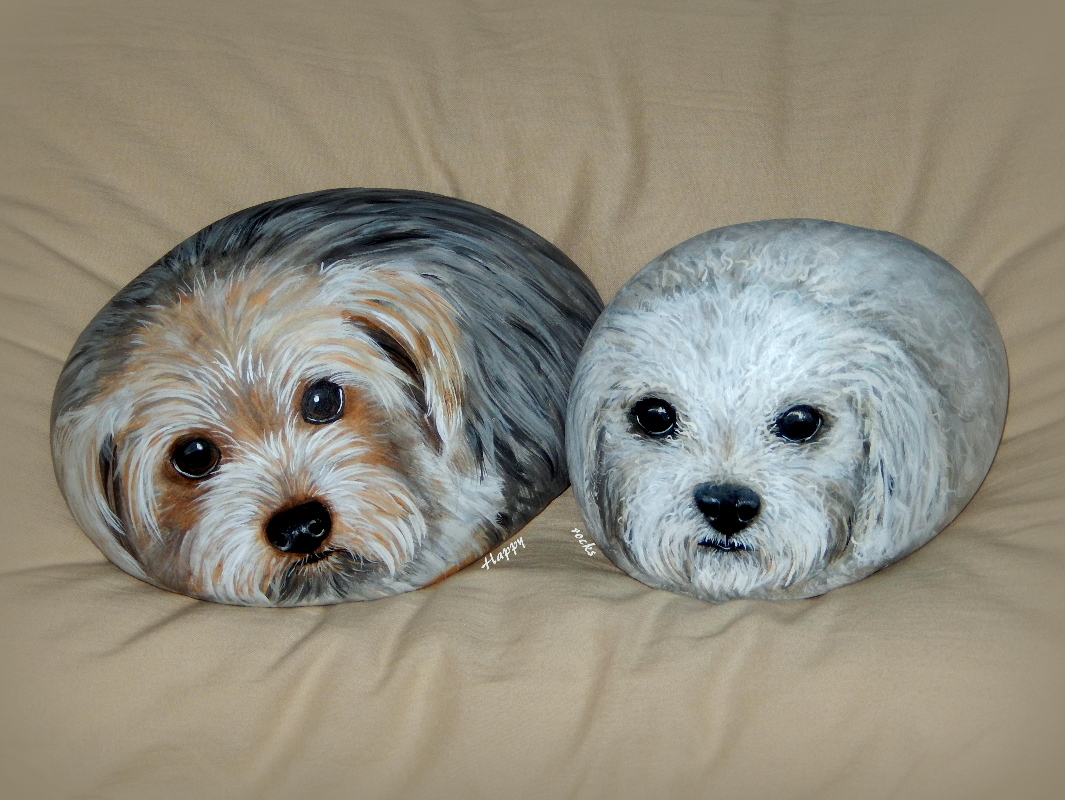 Deux loulous peints à l'acrylique