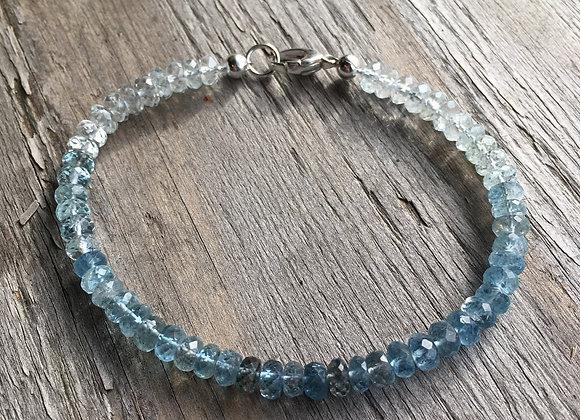 Aquamarine single strand bracelet