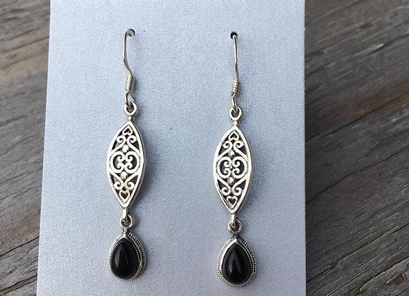 Black onyx Detailed drop earrings