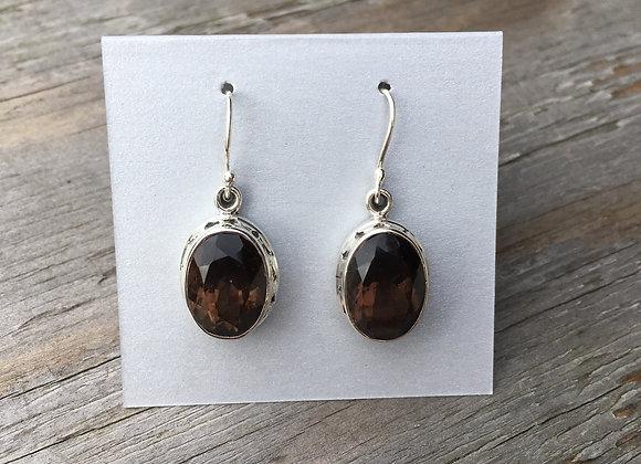 Oval detail setting smoky quartz earrings