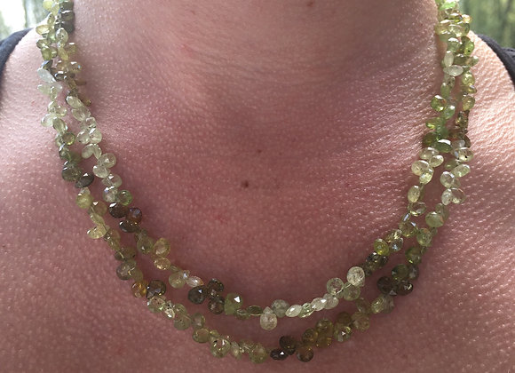 Green garnet teardrops necklace