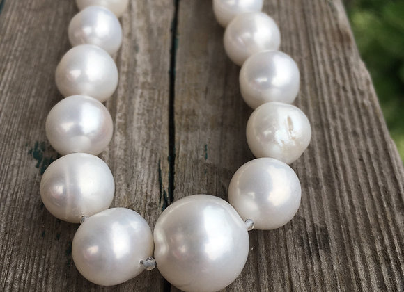 Lovely large pearl necklace