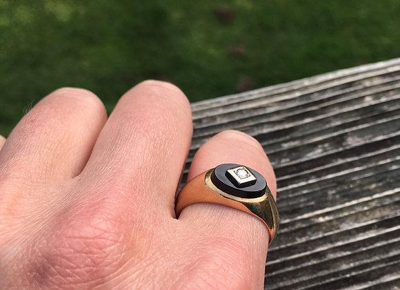 10 carat gold onyx and diamond ring