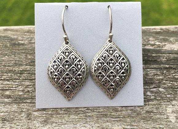 Silver detailed Bali earrings