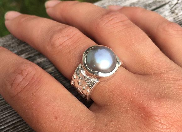 Marija Designs wide band grey pearl ring