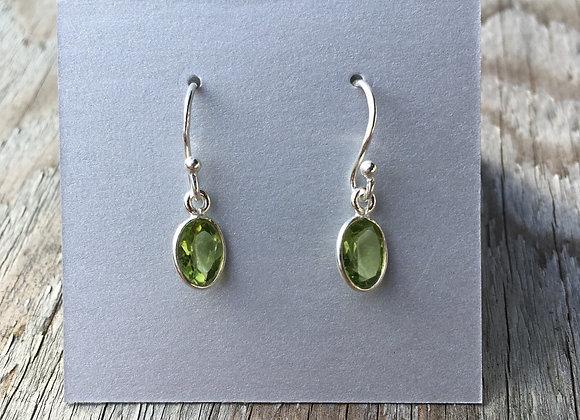 Simple oval peridot earrings