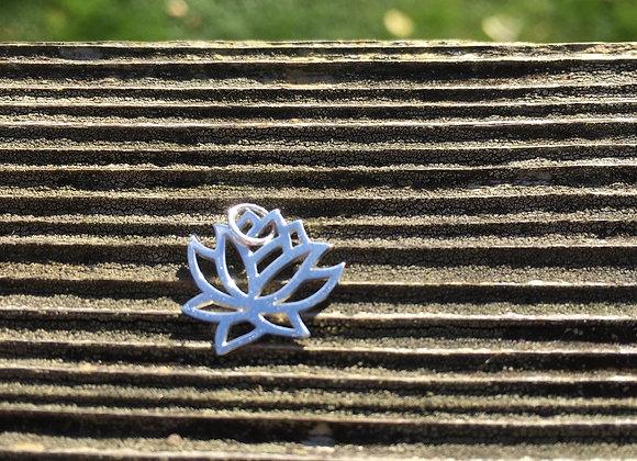 Cutout silver lotus pendant