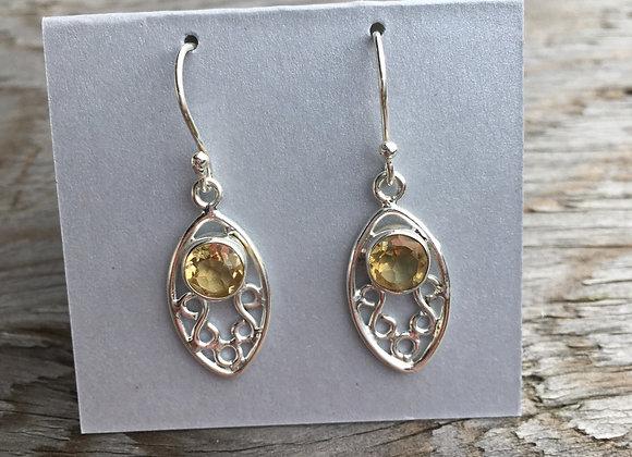 Cutout setting citrine earrings