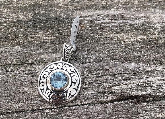 Round detailed setting blue topaz pendant