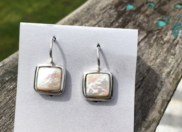 Square coin pearl earrings