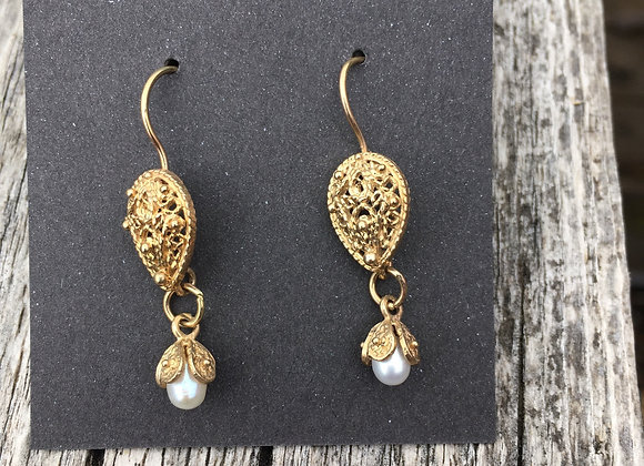 Yutal gold filigree pearl earrings