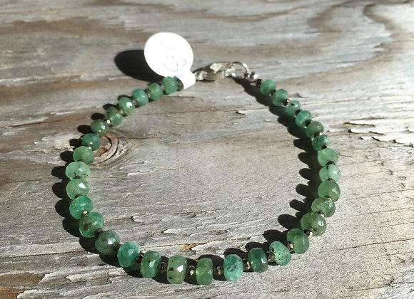 Single strand emerald and pyrite bracelet
