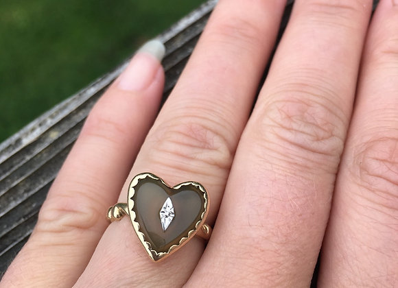 Vintage gold agate heart ring