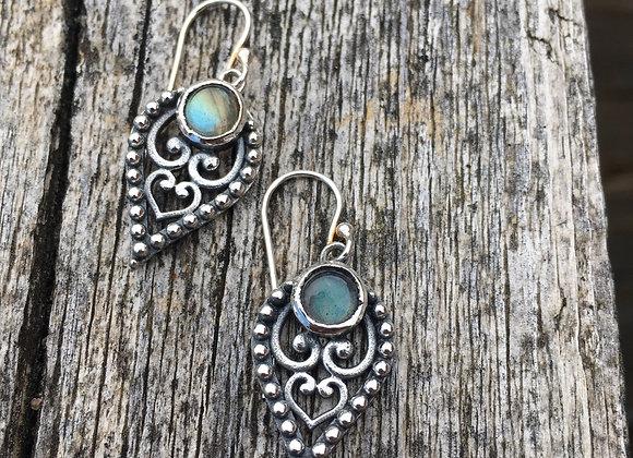 Labradorite detailed teardrop earrings