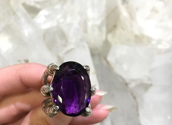 Momo Deep purple amethyst claw ring