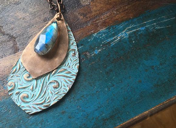 Alasha Lantinga chunky  labradorite  necklace