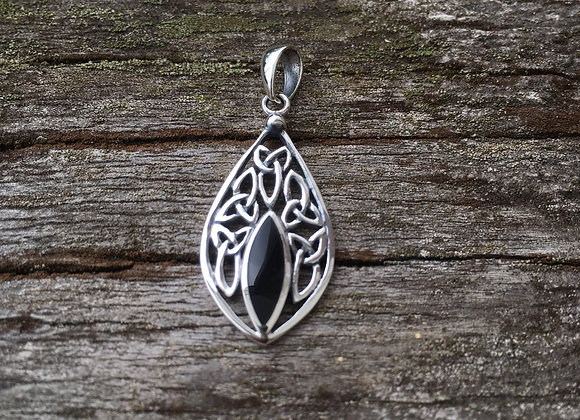 Black onyx Celtic knot pendant