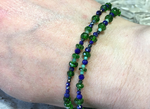 Chrome diopside and lapis bracelet