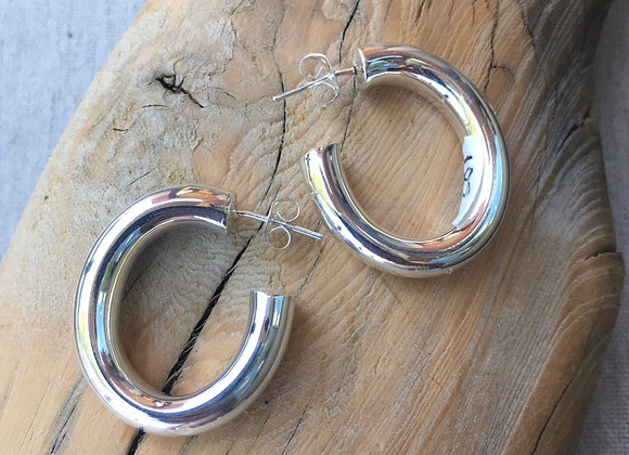 Puffy oval hoops