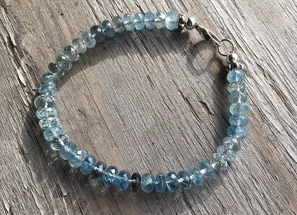 Aquamarine graduated colour bracelet