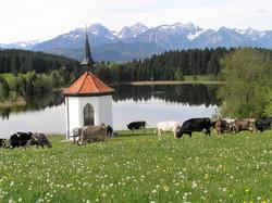 Hergratsrieder See mit Kapelle