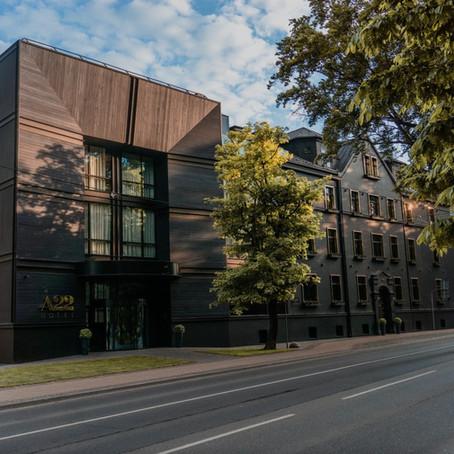 Durvis ver ekskluzīva dizaina viesnīca Rīgā – A22 hotel