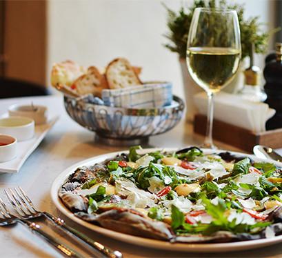 Rīgā jauns itāļu restorāns - Piazza Italiana