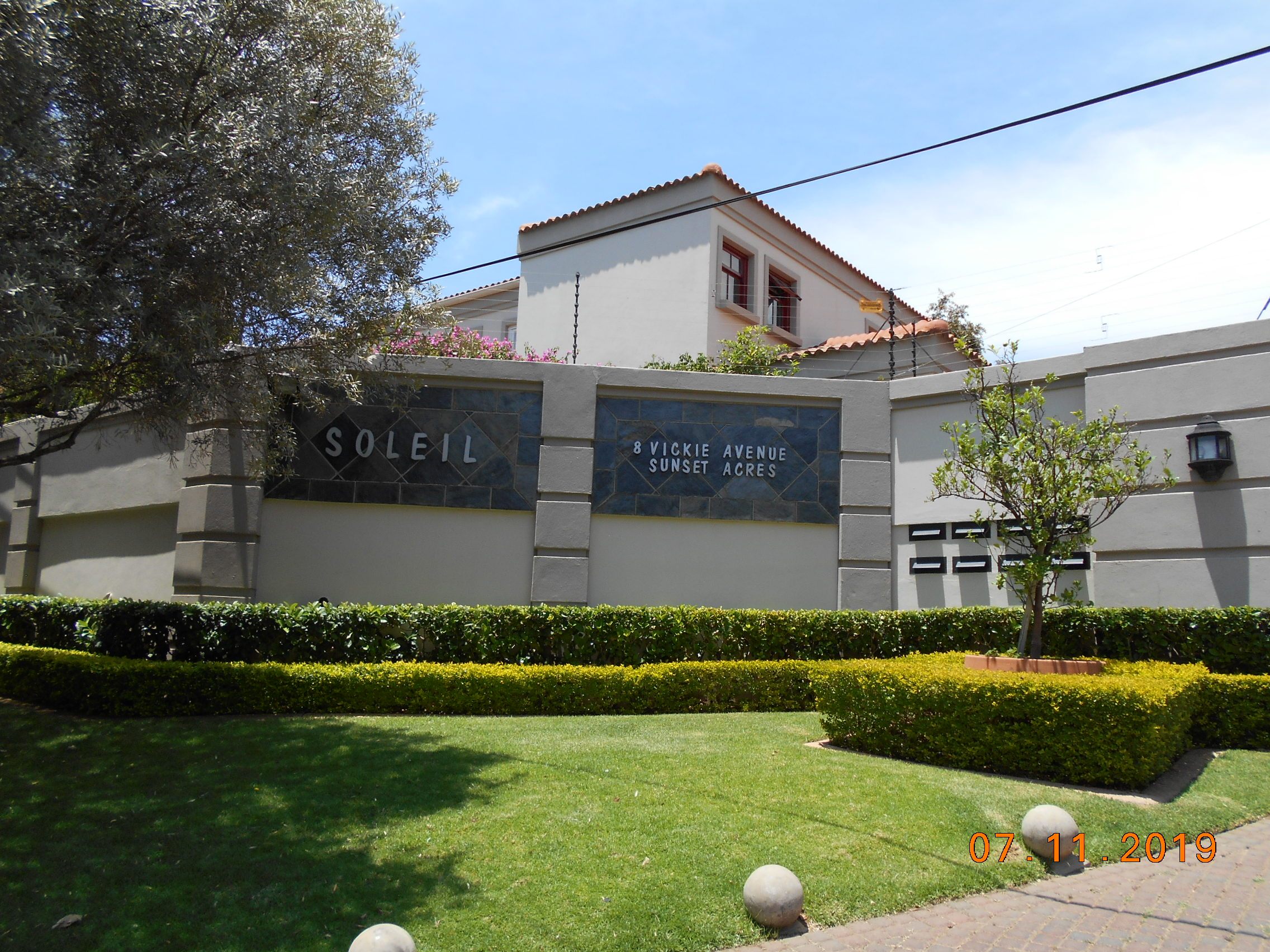 Soleil: 8 luxury Morningside units