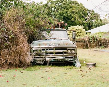vintage-truck-abandoned