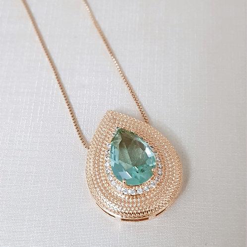 Colar Folhado a Ouro com Gota Central de Cristal Verde