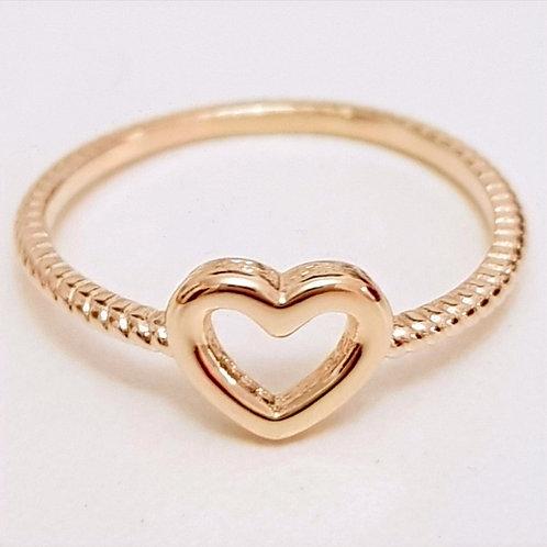 Anel Folhado a Ouro com Coração Liso