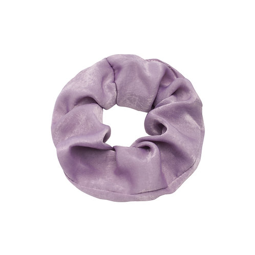 Satin scrunchie in lila