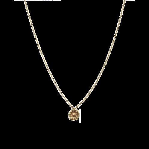 Necklace with medium daisy