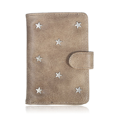 Passport case silver stars in brown
