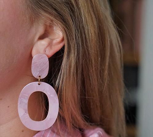 Liva - roze statement oorbellen