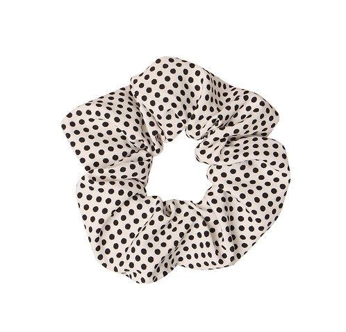 Stippen scrunchie (wit)